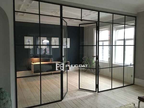 Vách ngăn kính khung sắt đẹp cho nhà ở.