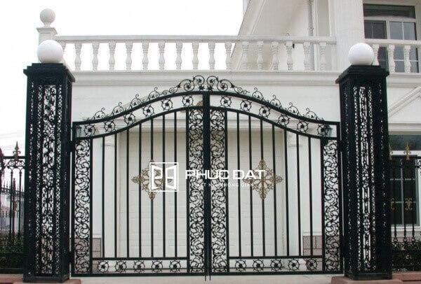 Mẫu trụ cổng bằng sắt mỹ thuật đẹp.