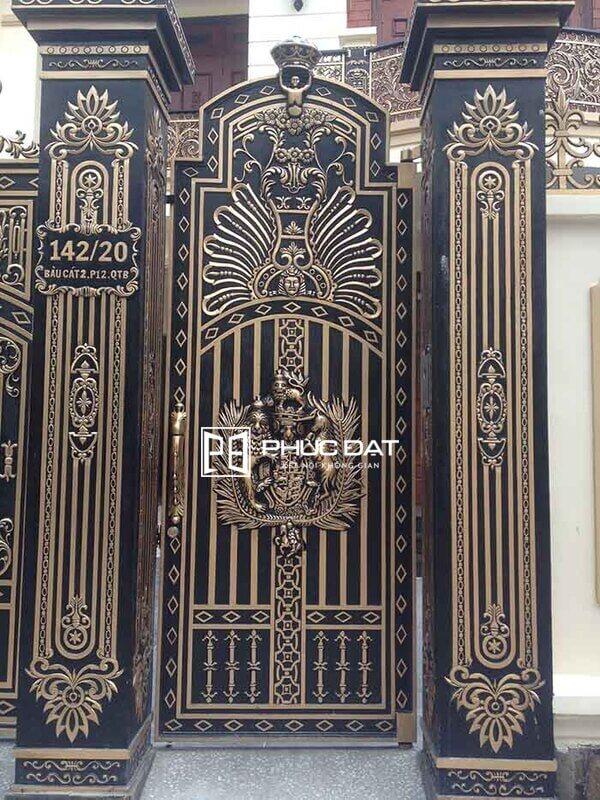 Trụ cổng xây đẹp ốp nhôm đúc.